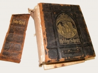 Large Family Bible_Before(1)